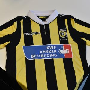 Dutch Cancer Society logo on shirt Vitesse